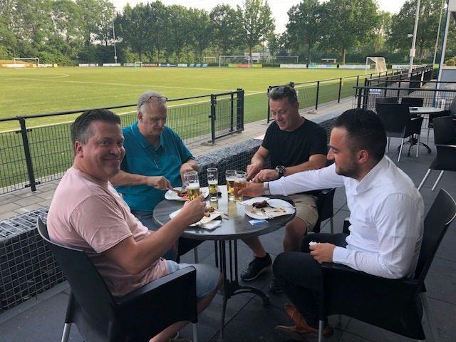Afsluiting van het seizoen: jaarvergadering met BBQ